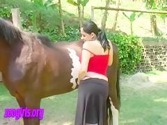 Pony tasting ! Yummy !