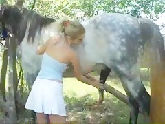 alice with horse 7